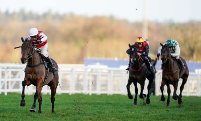 Benny's King and Harry Skelton winning at Ascot Racecourse