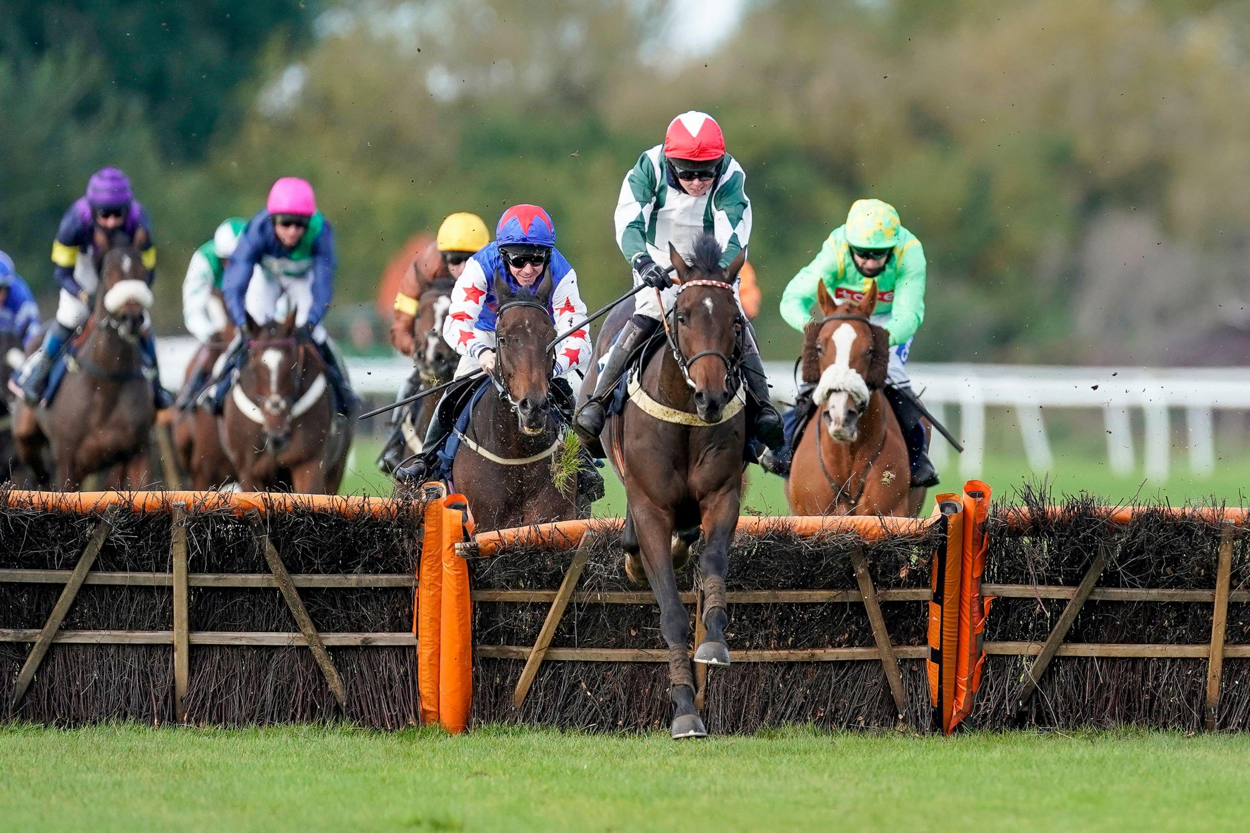 2D5CPXK Kielan Woods riding Takeit Easy clear the last to win The MansionBet Handicap Hurdle at Huntingdon Racecourse.